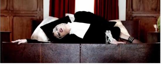 비욘세  뮤직비디오 중 한 장면